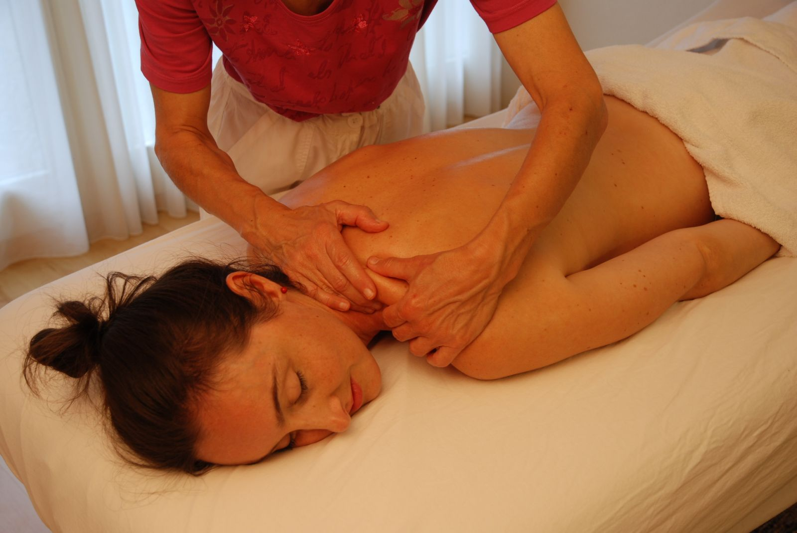 Claudia Bucher Massage